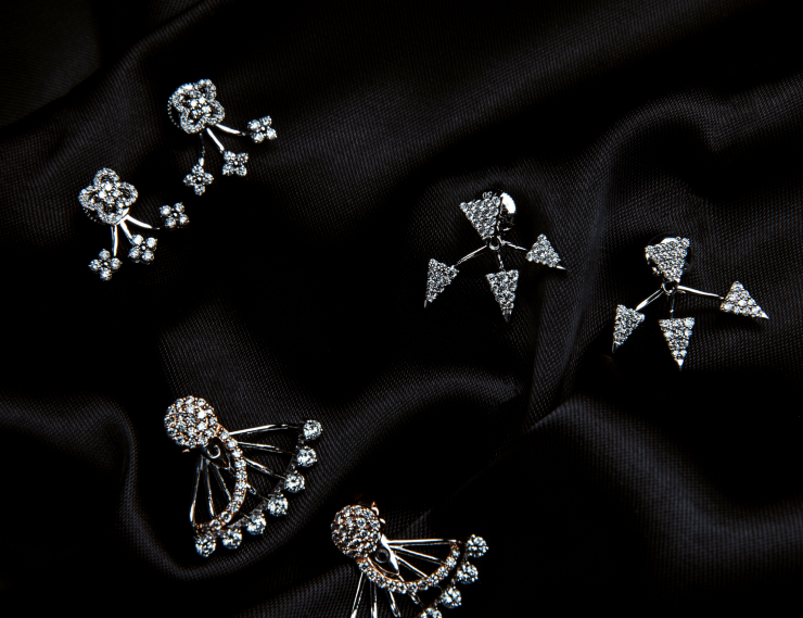 outfit-pair-diamond-earring-englewood